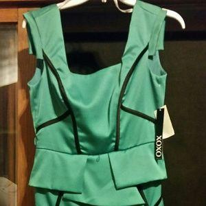 dress emerald color